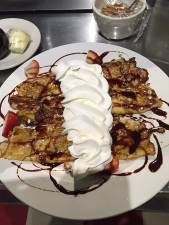 Itasca, IL: Walnut Strawberry Crepes Topped with Chocolate and Whipped Cream