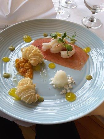 Killorglin, Ireland: The duo prawn entree (the 2 hot prawns were delicious)