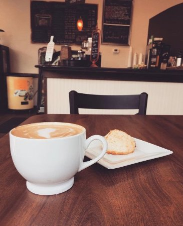 Idaho Falls, ID: Coffee & Coconut Macaron