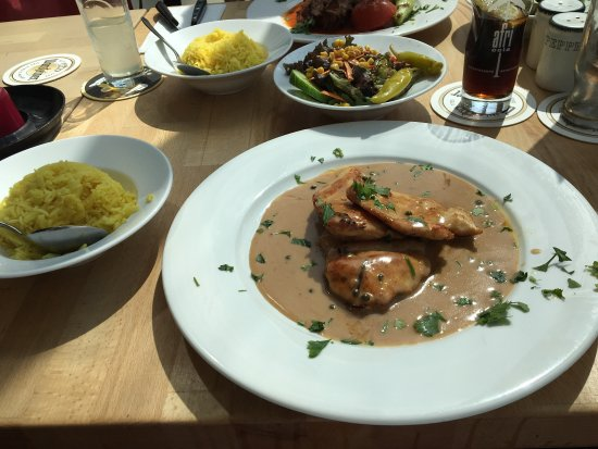 Vaals, The Netherlands: GITANA (grilled chicken with green pepper and cognac sauce)