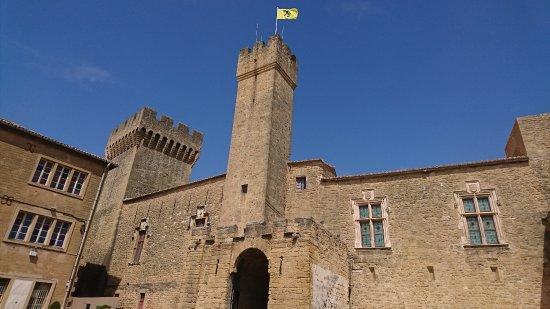 Chateau de l 39 emperi salon de provence frankrijk beoordelingen - Chateau salon de provence ...