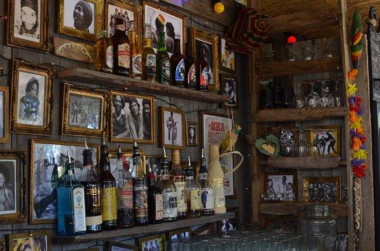 Ljugarn, Sverige: One Love Bar på Bruna Dörren