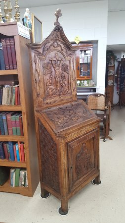 Hays, KS: The Prayer Cabinet circa 16th century