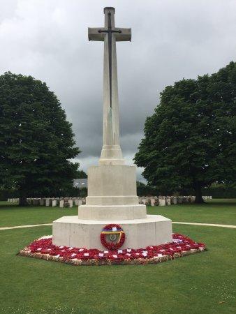 British War Cemetery: photo0.jpg