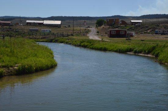 Hatch, UT: vue de la rivière
