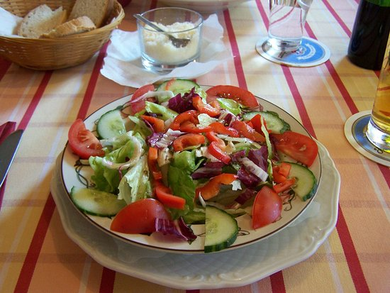Farchant, Deutschland: A really nice salad!