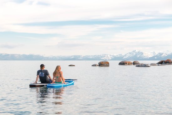 Tahoe Vista, CA: Enjoy a relaxing evening on the lake.