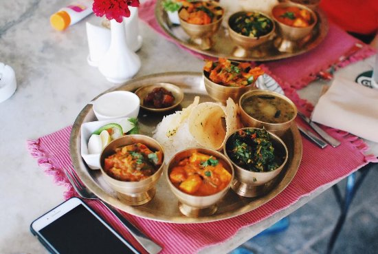 Shambaling Boutique Hotel : Thali set is DELICIOUS! Love the paneer curry