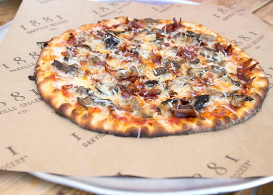 Oakville Grocery Company : Pizza hot out of the oven.