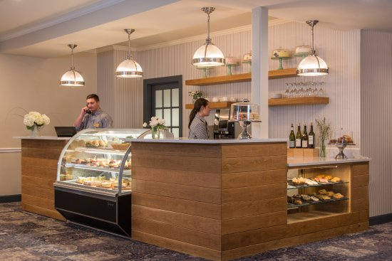 The Essex, Vermont's Culinary Resort & Spa: Front Desk Cafe