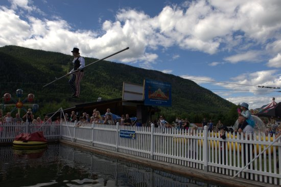 Oyer Municipality, Norway: Live Circus Performance