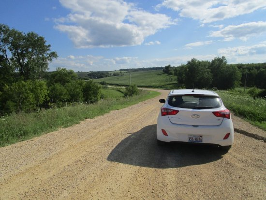 Elkader, IA: The gravel road to Motor Mill