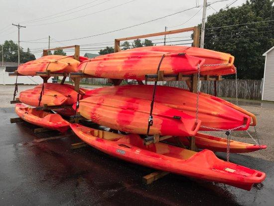 Rogers City, MI: Jackson Kayaks, 6 tandem, 14 single.