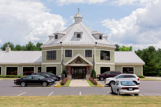 Saint-Bernard-de-Lacolle, Canadá: Taverne St-Bernard Exterior