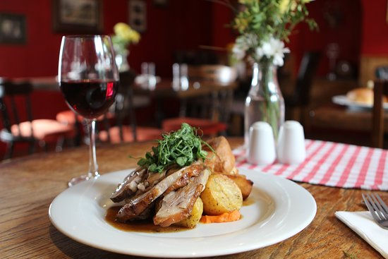 Kings Arms Georgeham: Roast Westcountry Lamb, crispy roast potatoes and lashings of gravy