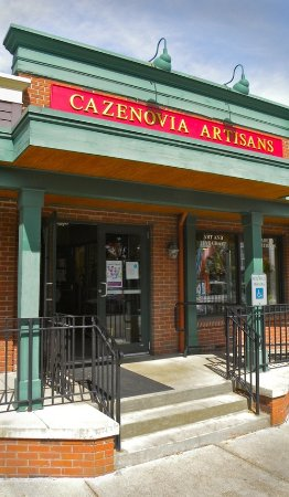 ‪‪Cazenovia‬, نيويورك: Open every day! Premier Fine Art and Crafts!‬