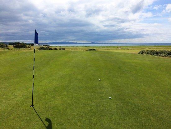 Craigielaw Golf Course: So macht Golf Spaß: Großartiges Panorama und zwei gute Annäherungen.