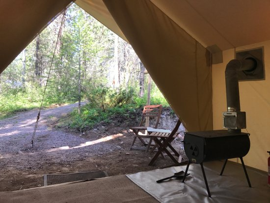 Coram, MT: Safari Tent 48 a view from the bed