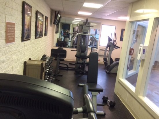 Waltham, MA: Above average fitness equipment for a hotel of this class