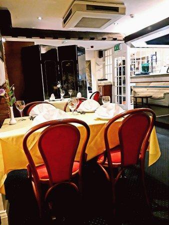 Rothwell, UK: Dining area near bar