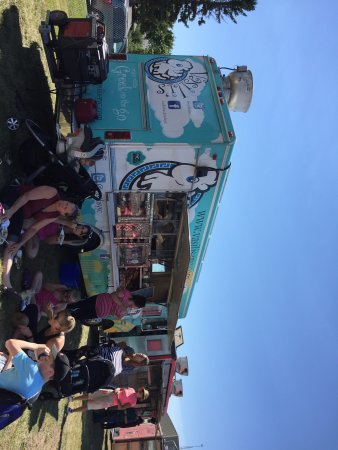 Airdrie, Kanada: Food Truck Frenzy at the Framer's Market