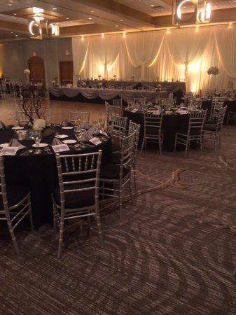 Burr Ridge, IL: Ballroom