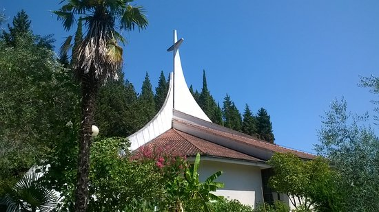 Župnijska cerkev Device Marije Rožnovenske