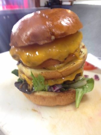 Kingston Springs, TN: Now that's a burger...