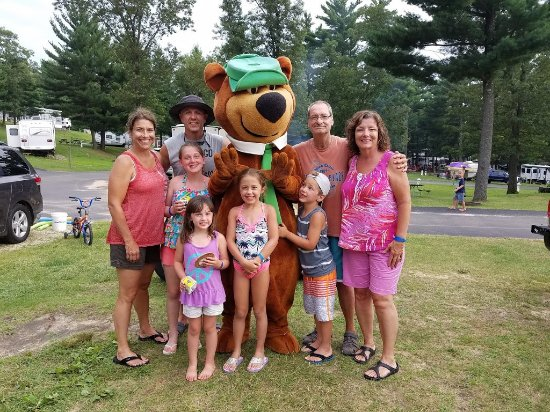 Jellystone Park Warrens: Fun with Yogi