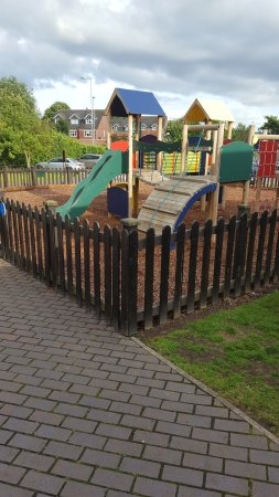 Burton upon Trent, UK: Clean outside play area