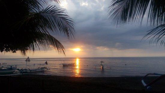 Anturan, Indonesien: západ slnka z reštaurácie
