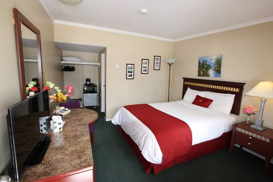 Revelstoke Gateway Inn: One bed