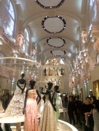 Dior J Adore Picture Of Musee Des Arts Decoratifs Paris