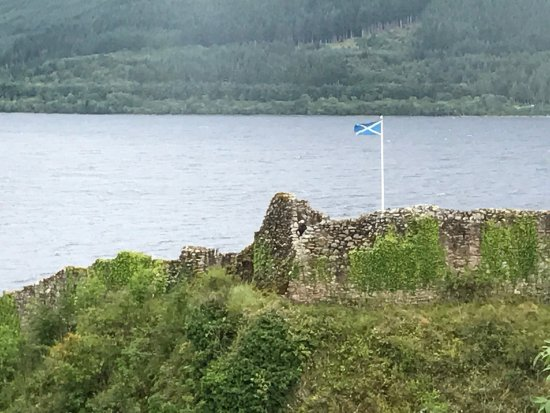 Urquhart Castle: photo0.jpg