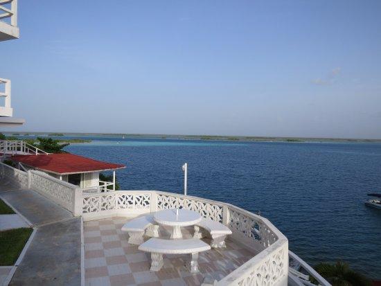 Hotel laguna bacalar desde m xico opiniones for Hotel luxury villas bacalar