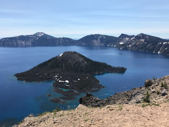 Rim Drive: Crater Lake and Wizard Island