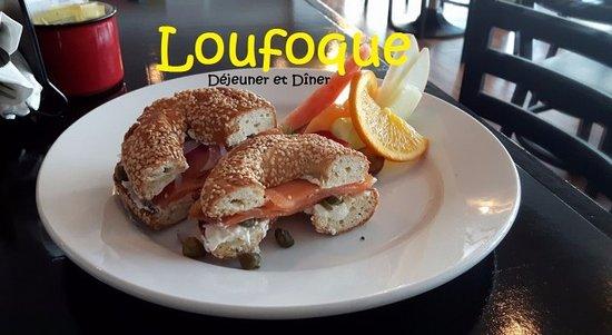 Cap-aux-Meules, แคนาดา: Déjeuners et dîners au Loufoque
