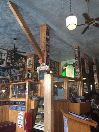 John's Place Restaurant: photo0.jpg