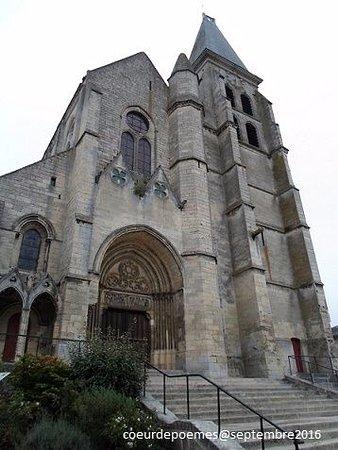 Clermont, فرنسا: Façade occidentale