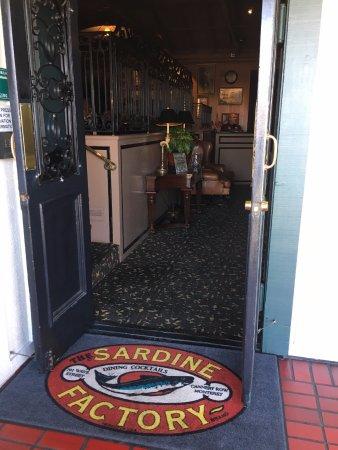 Sardine Factory : Entrance
