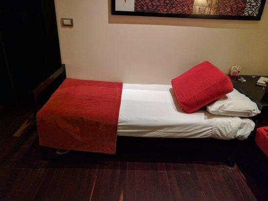 Savoy Hotel: Sofá cama só para crianças até 1,60m. Lembrar que o colchão é bem duro.