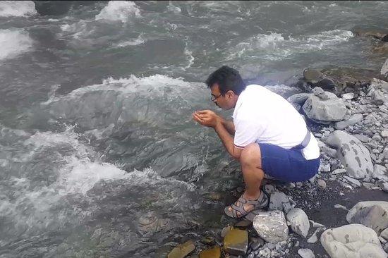 İlisu, Aserbaidschan: شلال اليسو