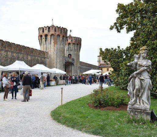 Castello Carboncine