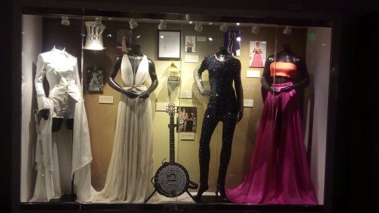 Cleveland, MS: Some of Taylor Swift Outfits
