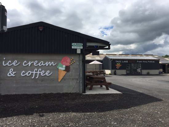Derbyshire, UK: Fantastic ice cream and fresh milk