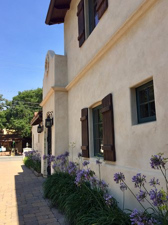 Su Nido Inn - Your Nest In Ojai : Outside of building