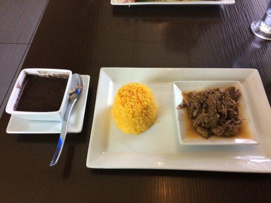 Cuban Island Restaurant: photo1.jpg