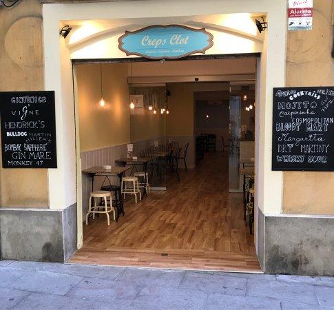 Creps clot barcelone restaurant avis num ro de for Appart hotel barcelone avec piscine