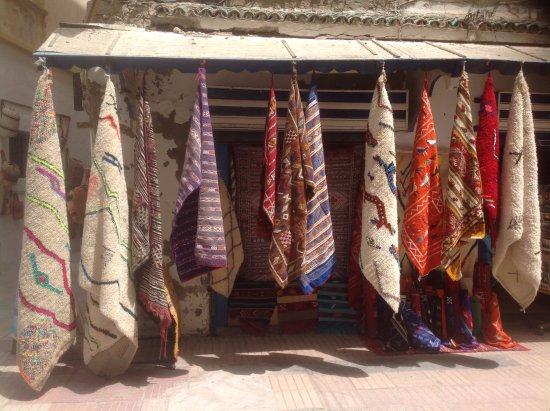 Le Souk: loval vendor