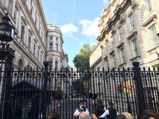 10 downing street billede af downing street london tripadvisor. Black Bedroom Furniture Sets. Home Design Ideas
